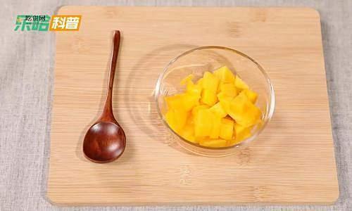 芒果丁怎么切,如何切芒果丁窍门,芒果丁的切法缩略图