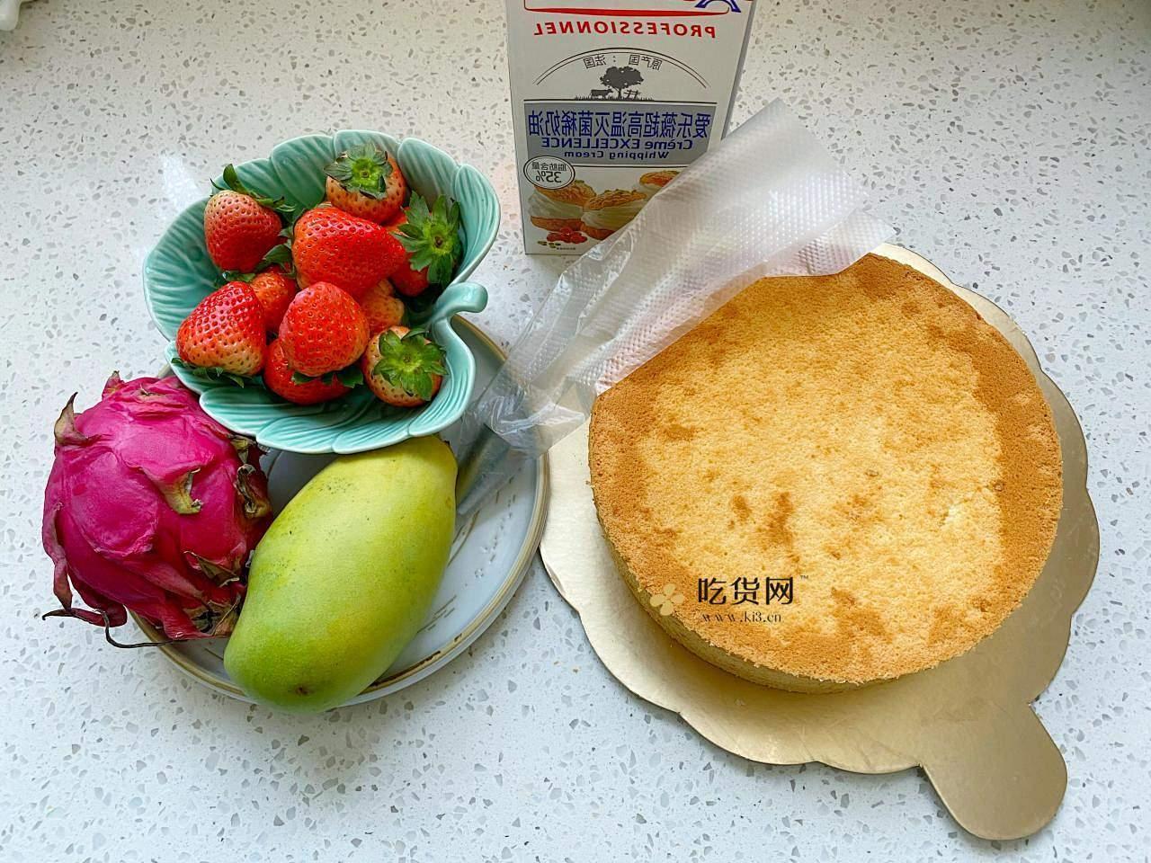 手把手教你,新年草莓裸蛋糕的做法 步骤1