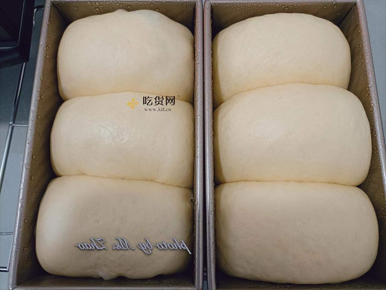 只需一次发酵  一次哦  零失败低甜度奶香吐司的做法 步骤12