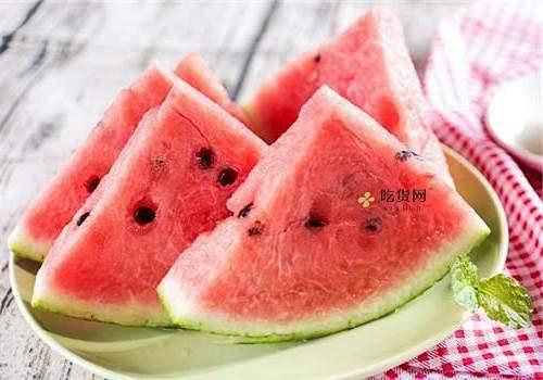 西瓜哪些人不能吃 吃西瓜的八个身心健康忌讳缩略图