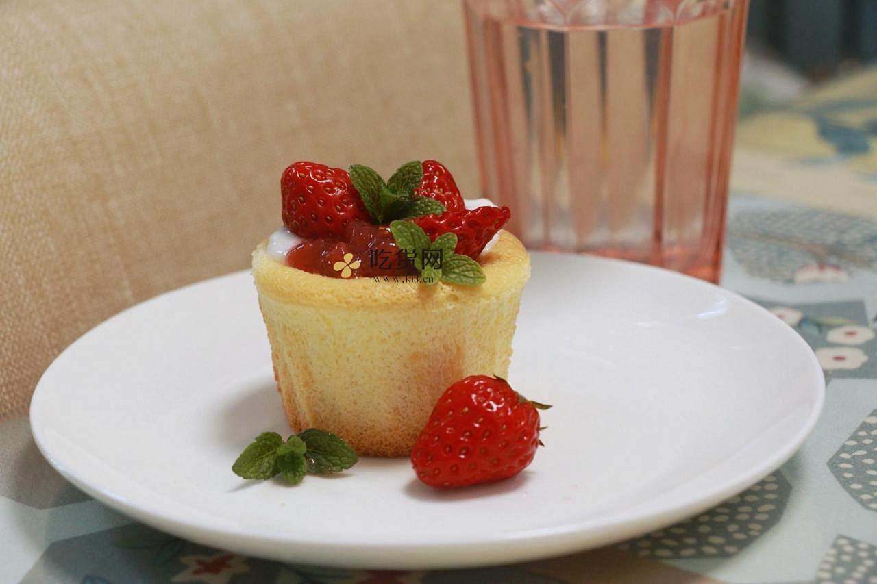 双奶草莓纸杯蛋糕的做法 步骤9