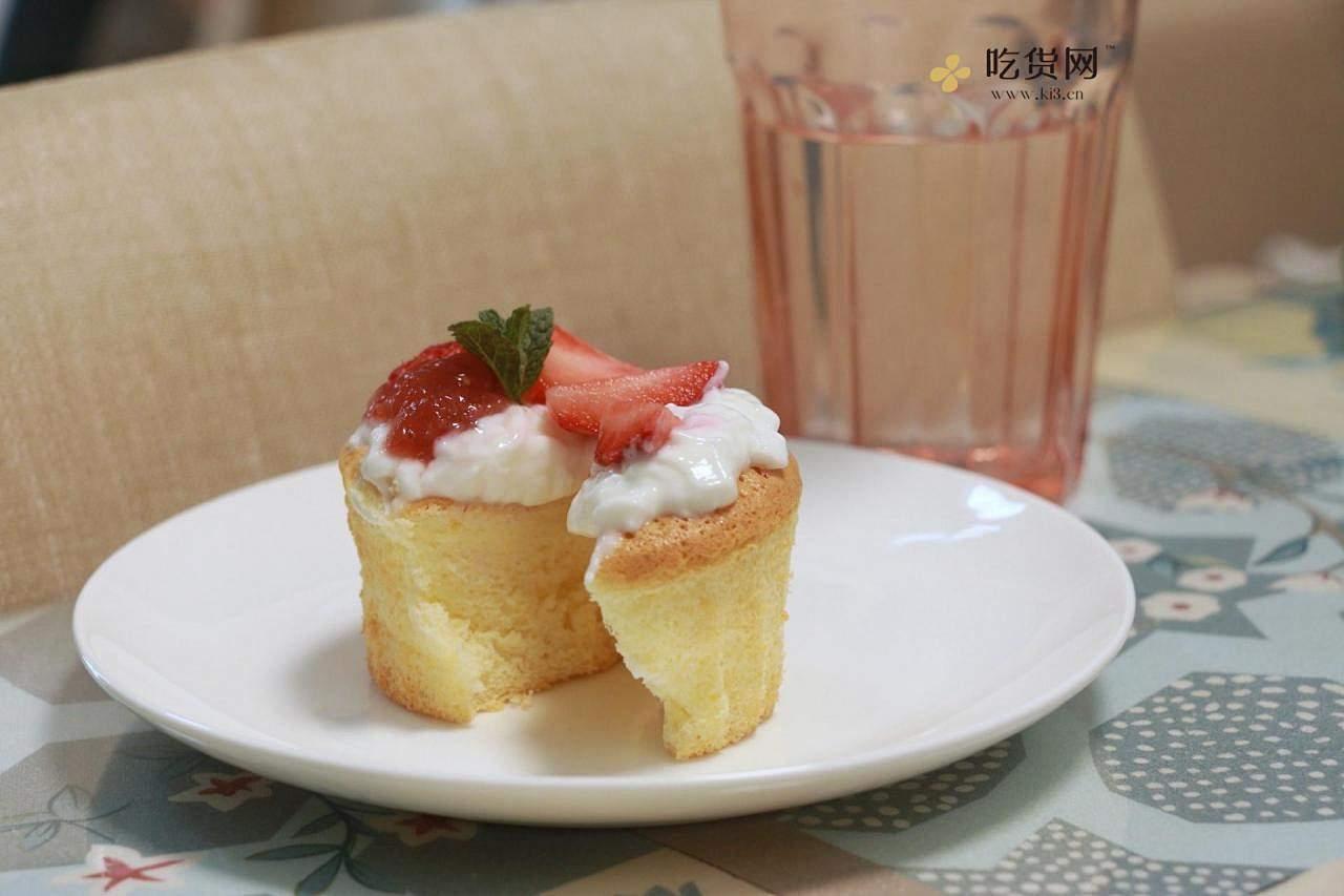 双奶草莓纸杯蛋糕的做法 步骤10