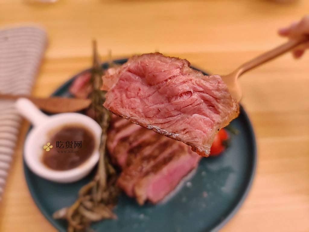 煎牛排|在家做厚切安格斯西冷牛排的做法 步骤9