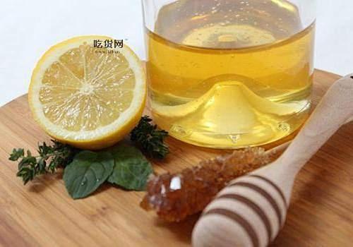 蜂蜜柠檬水如何喝能减肥瘦身,蜂蜜柠檬水每日喝是多少适合缩略图