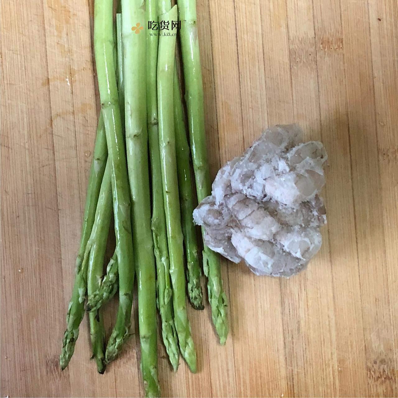 懒人的低油低盐减肥餐7之芦笋虾仁的做法 步骤1