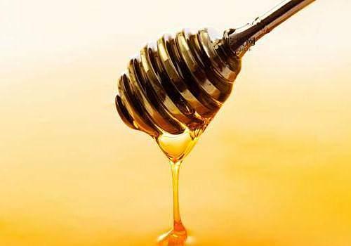 到期的纯蜂蜜能够 敷面吗 长见识了!到期的纯蜂蜜竟然还能够那样用插图