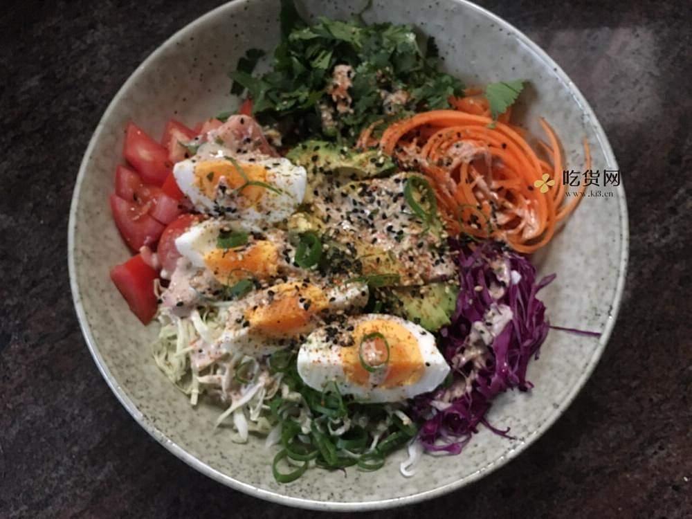 营养丰富的减肥餐~煮蛋鲜蔬沙拉的做法 步骤6