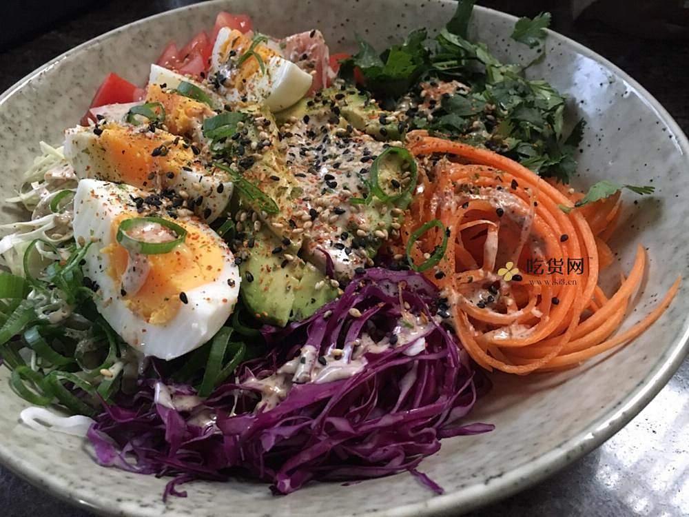 营养丰富的减肥餐~煮蛋鲜蔬沙拉的做法 步骤5
