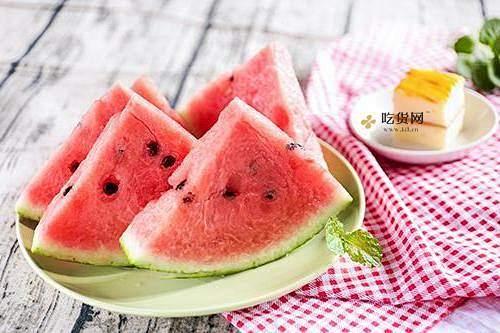 西瓜与水蜜桃不可以同吃吗 水蜜桃和西瓜一起吃有哪些好处呢插图