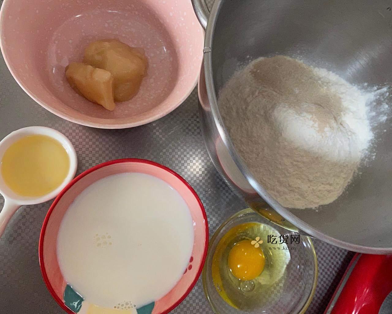 东北特色奶香蜂蜜套环的做法 步骤1