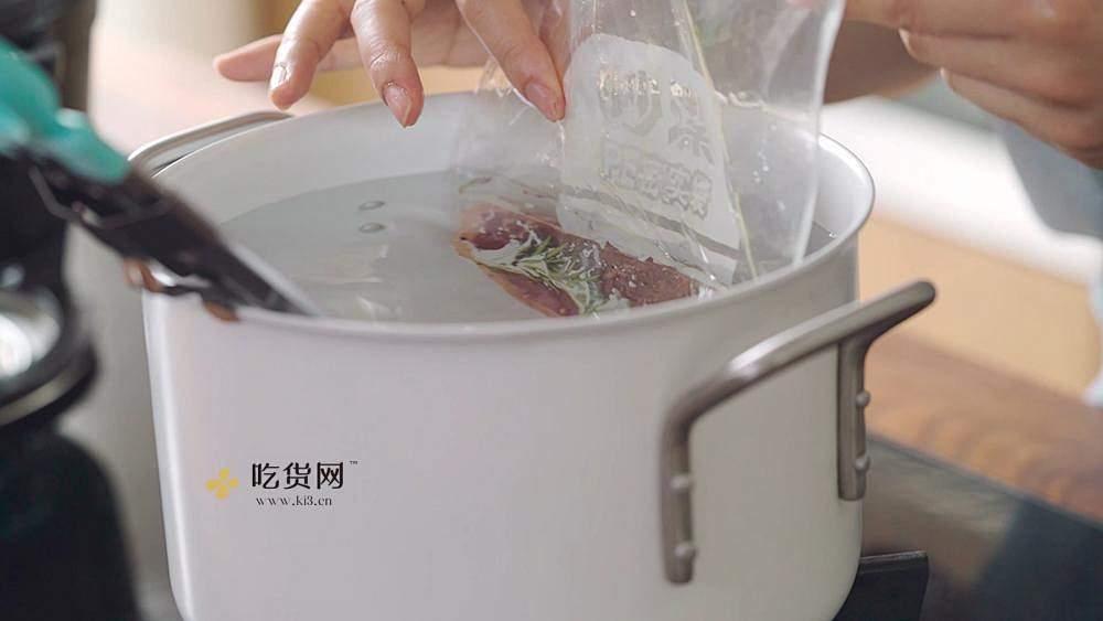 【曼达小馆】新手也能完美复刻的米其林级低温牛排的做法 步骤19