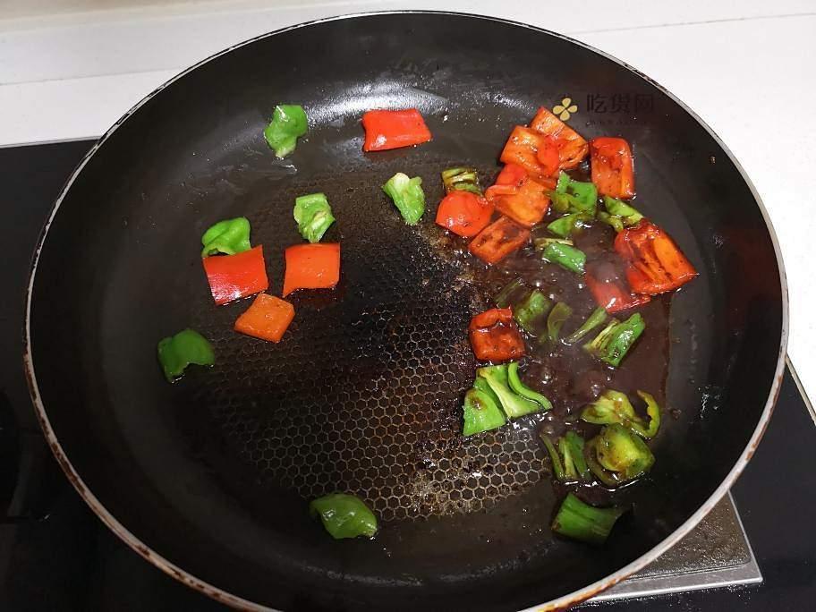 黑胡椒牛排粒的做法 步骤4