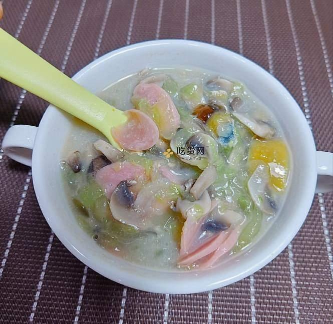 减脂餐 最爱做的一道汤 超级刷脂 超低卡 皮蛋蘑菇黄瓜汤 无油无糖 汤鲜味美 减肥餐的做法 步骤12