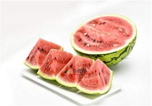 三伏天坐月子可以吃西瓜吗,三伏天坐月子吃西瓜要注意什么插图