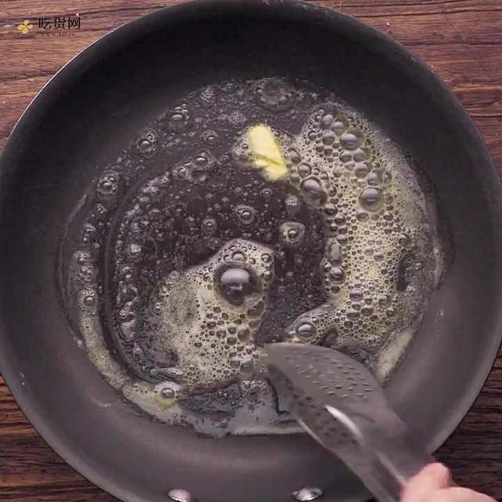 黑椒煎牛排的做法 步骤2