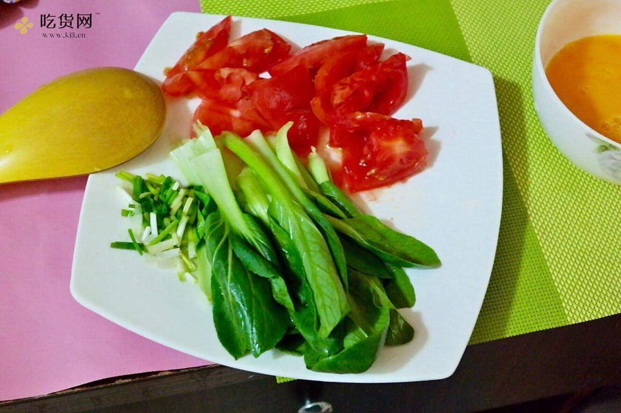 番茄鸡蛋面的做法 步骤2