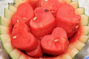 西瓜冻了还能吃吗 吃冻西瓜确实好么缩略图