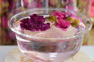 柠檬和玫瑰能够一起泡水喝吗,柠檬水的恰当冲泡方法缩略图