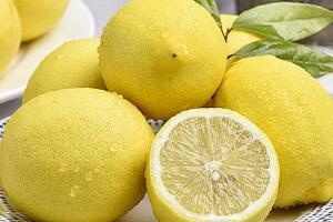 柠檬泡水喝的9大忌讳,坚持不懈喝过七个月的柠檬水就会如何缩略图