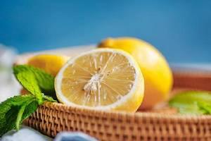 柠檬如何打汁削皮吗,柠檬带皮打汁哪些作用缩略图