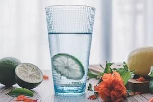 柠檬泡茶能够放多长时间,柠檬和什么泡水喝减肥瘦身缩略图