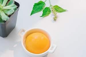 黄桃和什么不可以一起吃,黄桃水果罐头跟什么不能吃缩略图