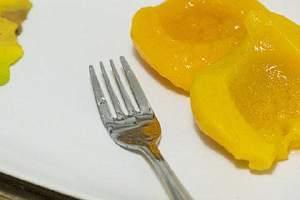 黄桃能够放电冰箱吗,黄桃放电冰箱里得用薄膜袋吗缩略图
