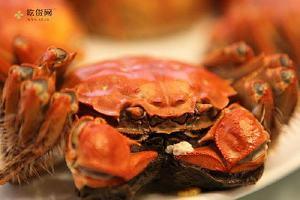 吃大闸蟹喝什么酒最好 吃大闸蟹的情况下来喝些夜店!缩略图
