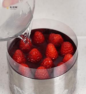 夏日小确幸|草莓水晶慕斯蛋糕的做法 步骤10