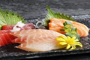 如何选择新鮮的三文鱼,买回去的三文鱼刺身如何保存缩略图
