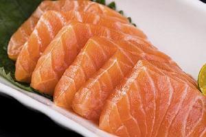 吃了三文鱼能吃苹果吗,三文鱼能够空腹服吗缩略图