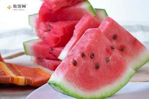 夏季吃西瓜要注意什么,夏季吃西瓜也伤身体缩略图