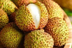 荔技桃子青芒能一起吃吗,荔技一天可以吃是多少颗缩略图