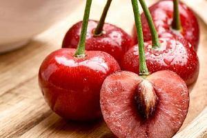 樱桃肉变褐色能吃吗,樱桃核有毒吗缩略图