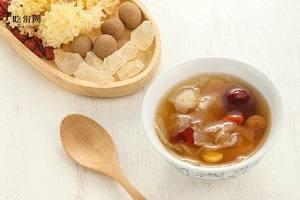 莲籽能够和梨一起煮吗 银耳莲子炖雪梨的五大作用!缩略图