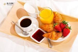 跑马拉松比赛前早餐吃啥 留意:吃不对早餐很有可能会毁了你的马拉松比赛!缩略图