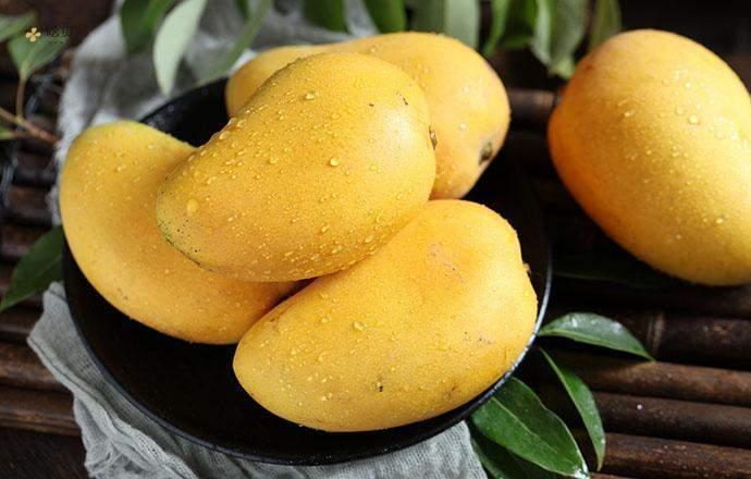 青芒是酸的能吃吗,临睡前能够吃芒果吗插图