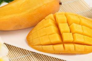 怎样防止芒果长黑斑 挑选芒果有什么技巧缩略图