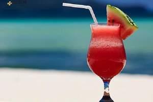 喝西瓜汁会发胖吗,西瓜汁喝了会胖吗,西瓜汁的热量缩略图