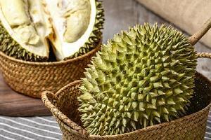 菠萝贵或是榴莲贵,菠萝和榴莲哪一个美味缩略图