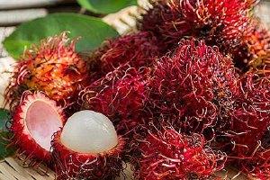 红毛丹和榴莲能一起吃吗,红毛丹和榴莲同吃的益处缩略图