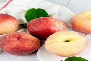 桃子是寒性或是性热的,桃子吃多了会怎么样缩略图