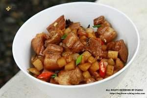 正宗红烧肉炖土豆的做法,最正宗的做法步骤图解_怎么做好吃缩略图