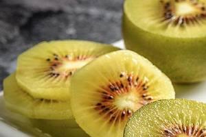 红心猕猴桃有酒味还能吃吗,红心猕猴桃好还是绿心猕猴桃好缩略图