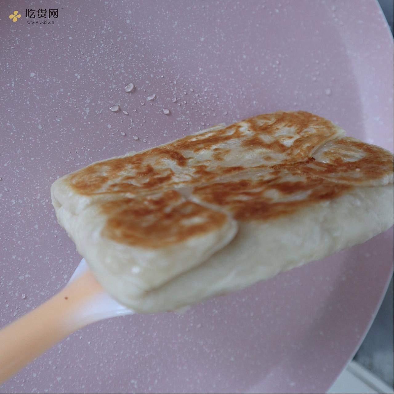 无需和面❗️懒人早餐鸡蛋饼的做法 步骤7