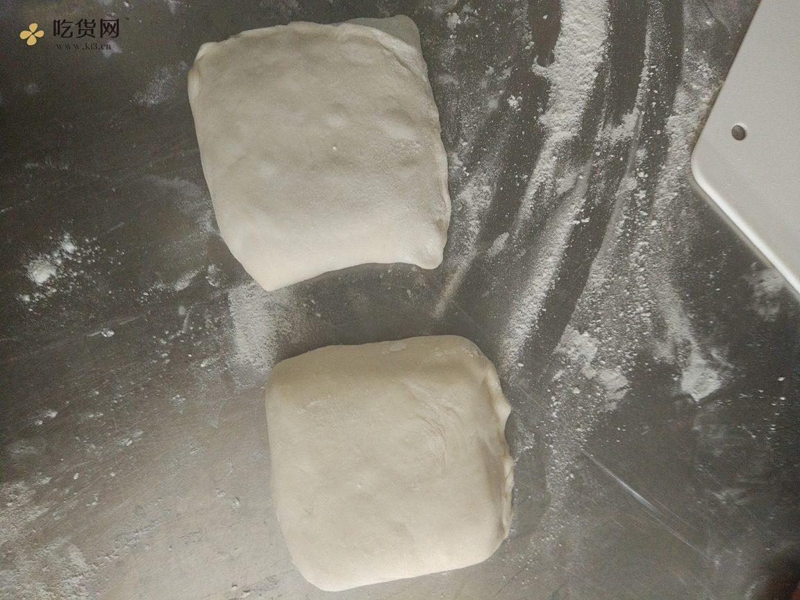 层次分明薄如蝉翼的家常基础烙饼的做法 步骤5