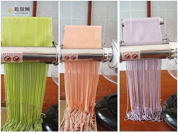 自制纯天然蔬菜汁彩色面条的做法 步骤9