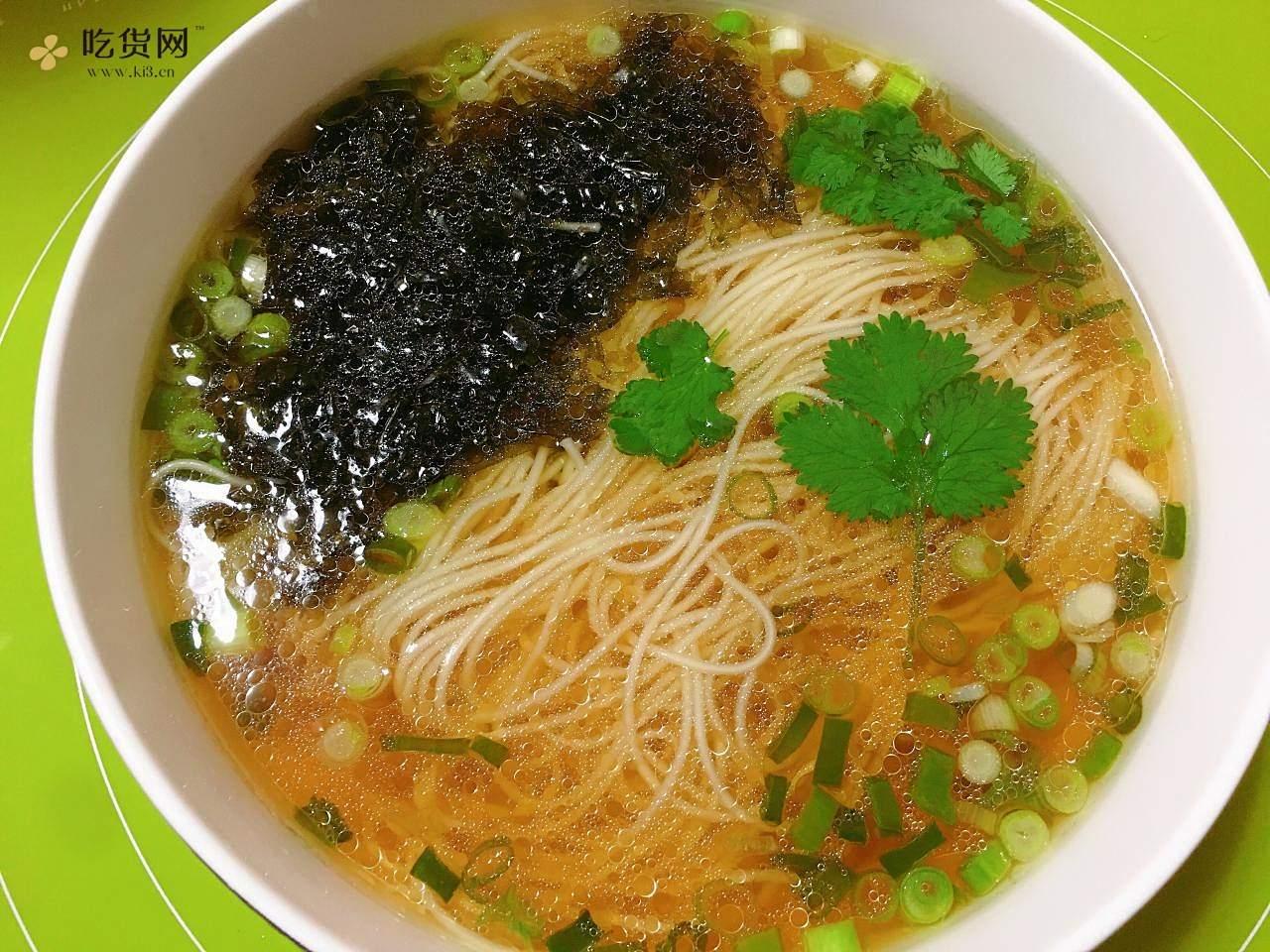 十分钟搞定的热汤面的做法 步骤6