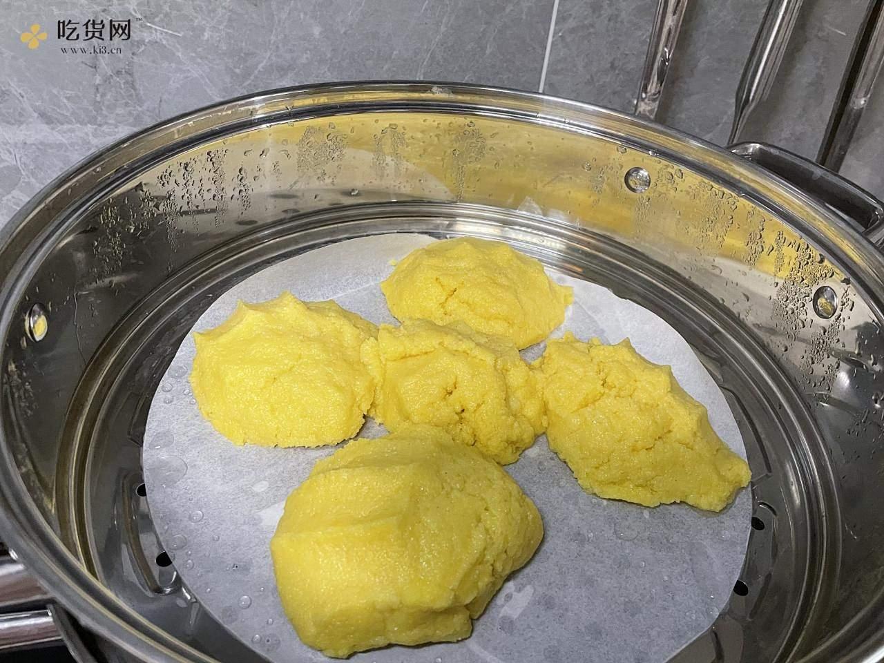 超级甜超级简单玉米饼的做法 步骤1