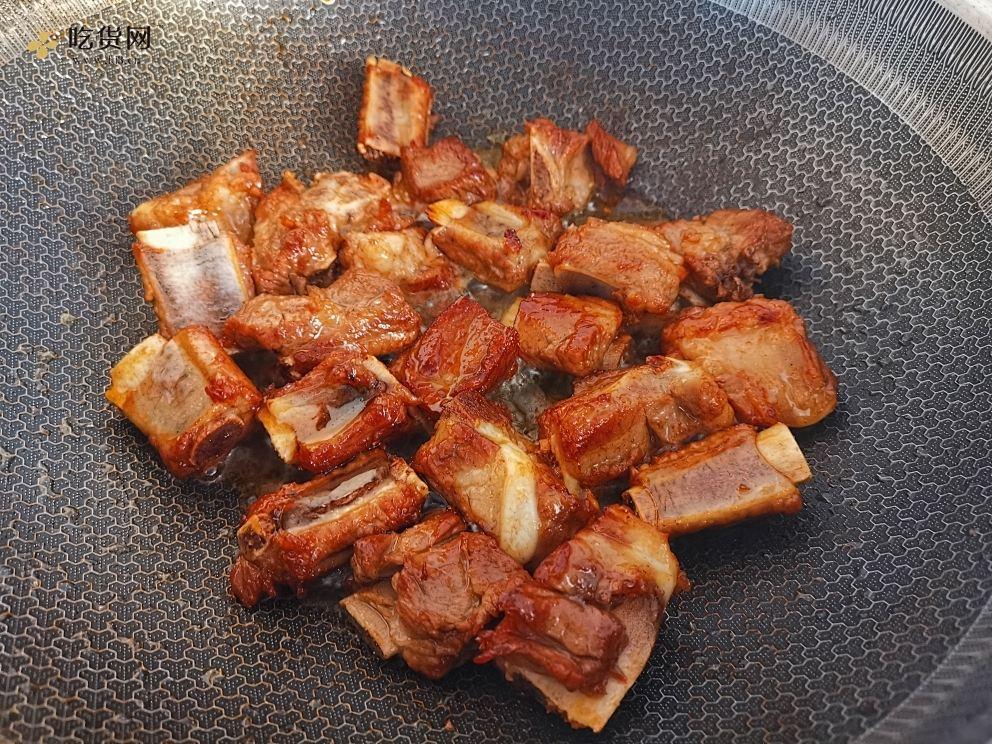 红烧排骨炖土豆的做法 步骤2